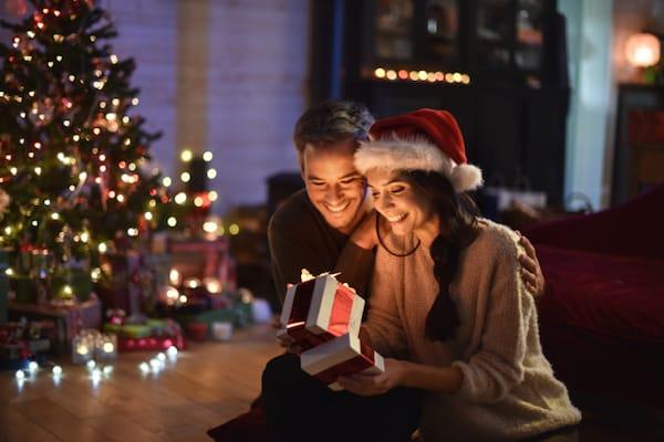 Couple Christmas Tea Nation Usa